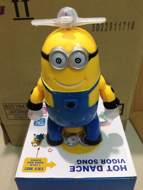 do-choi-minion-nhay-mua-xoay-360-do-2