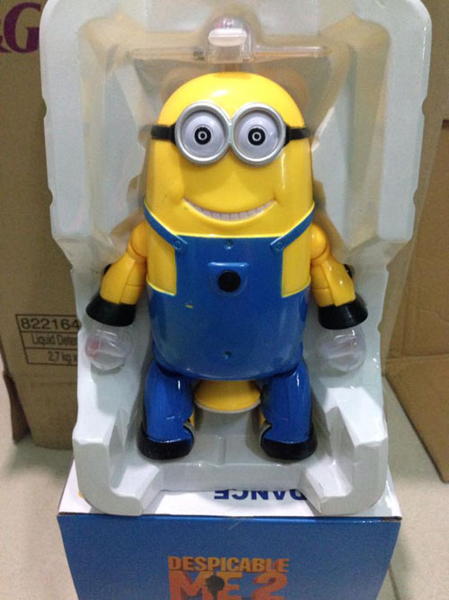 do-choi-minion-nhay-mua-xoay-360-do-3