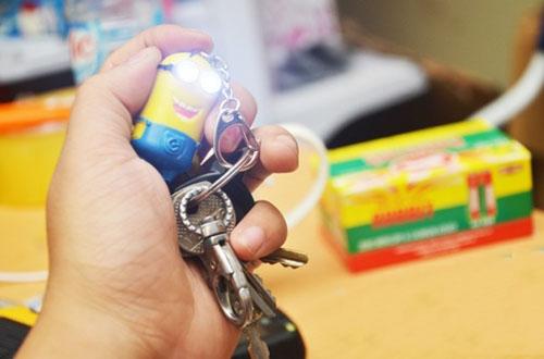 Móc treo chìa khóa minion biết nói