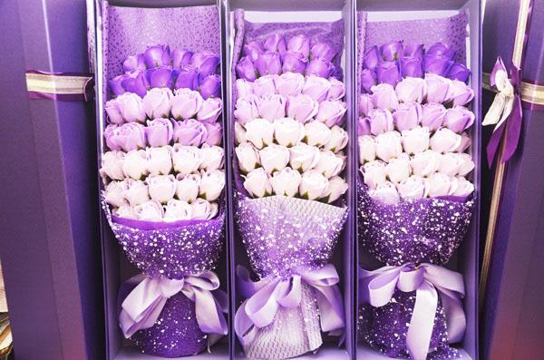 Hoa hồng sáp mẫu 33 bông