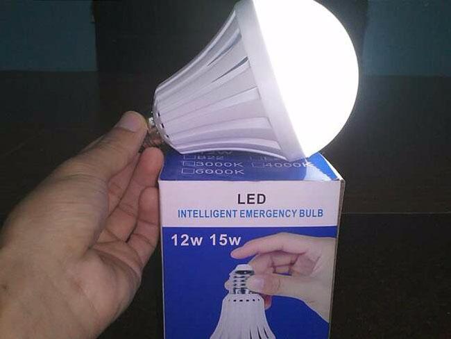Bòng đèn led tích điện thông minh giá rẻ
