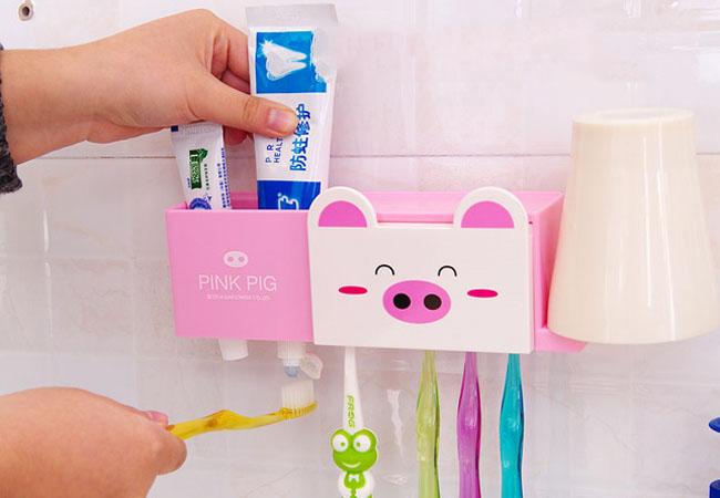 Dụng cụ treo bàn chải và kem đánh răng hình chú heo