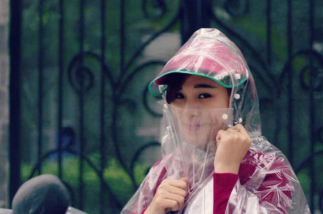 Áo mưa che mặt trong suốt giá rẻ