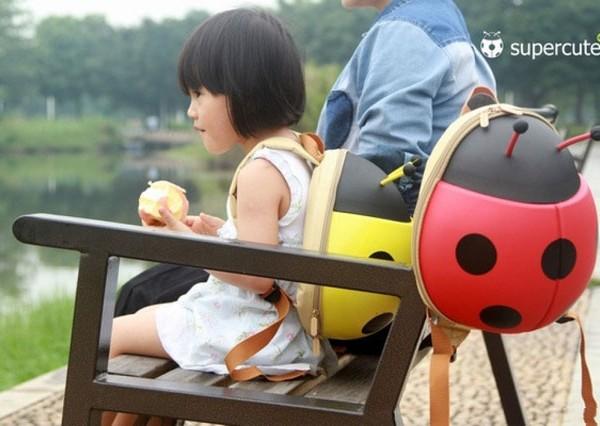 Balo hình con bọ đáng yêu cho bé