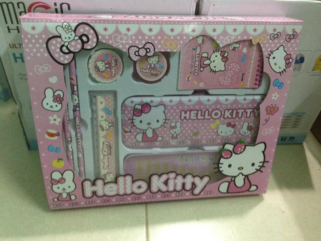 Bộ đồ dùng học tập Hello kitty