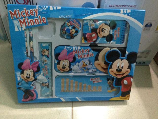 Bộ đồ dùng học tập chuột Mickey