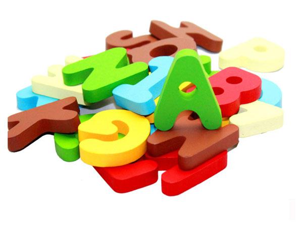Bộ 26 chữ cái bằng gỗ ghép hình học tiếng anh cho bé