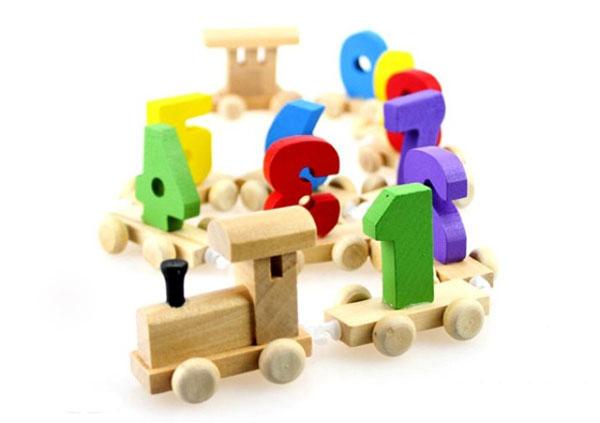 Bán buôn đoàn tàu gỗ chở số cho bé vui học
