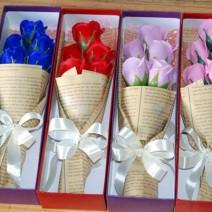 Hộp 5 bông hoa hồng sáp sang trọng