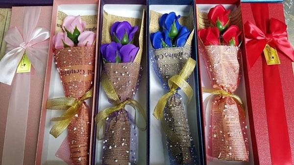 Bán buôn hoa hồng sáp thơm 3 bông giá rẻ