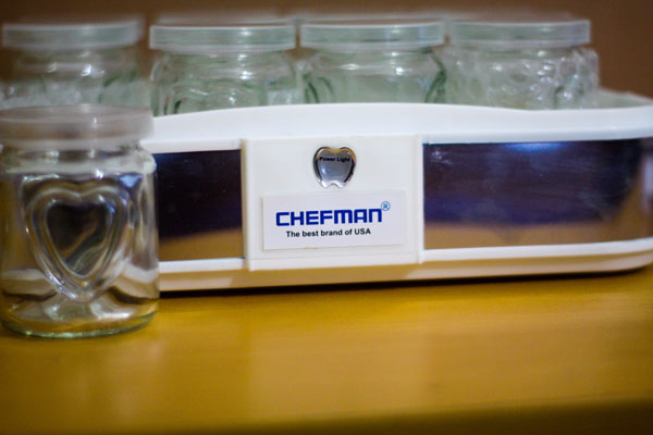 Máy làm sữa chua Chefman 12 cốc thủy tinh