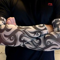 Găng tay chống nắng hình xăm