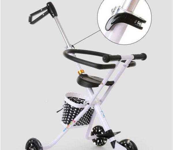 Xe đẩy 3 bánh gấp gọn có ô cho bé