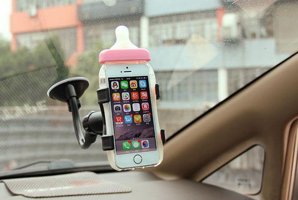 Kệ hít giá đỡ điện thoại trên ô tô