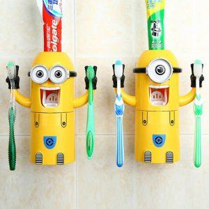Máy lấy kem đáng răng tự động hình minion