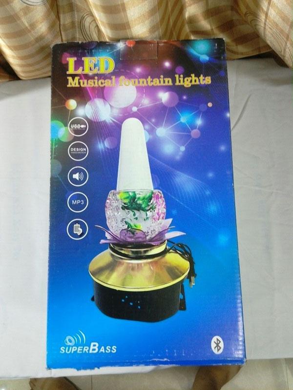 Đèn hoa sen phun nước cảm ứng nhạc