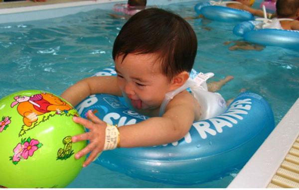 Bán buôn phao tập bơi swim trainer cho bé