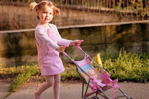 Đồ chơi xe đẩy búp bê cho bé