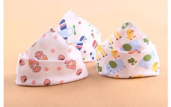 Bán buôn khăn tam giác cho bé