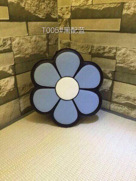 Bán sỉ túi xách đeo chéo hình bông hoa
