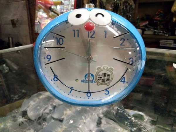 Đồng hồ báo thức Doremon xinh xắn