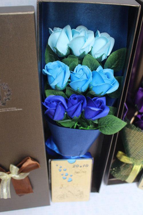 Hoa hồng sáp hộp 9 bông cao cấp