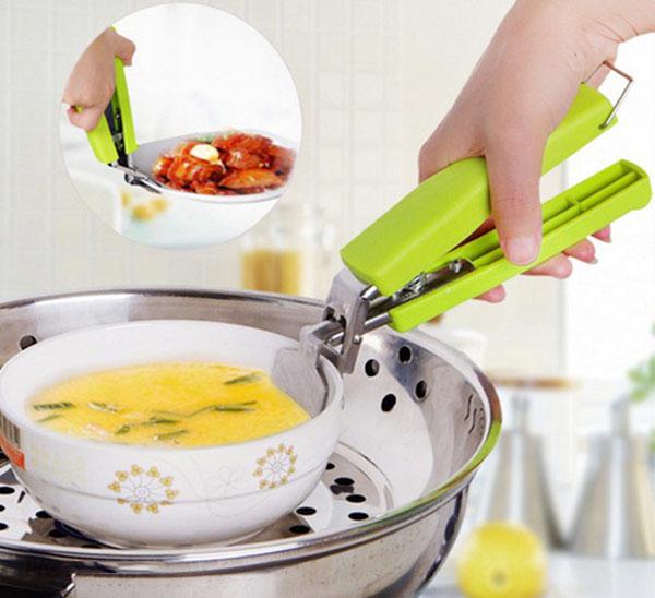 Dụng cụ gắp nóng tiện dụng cho nhà bếp