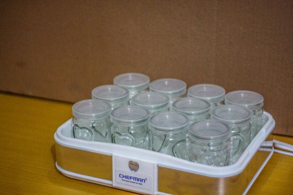 Bán buôn máy làm sữa chua Chefman 12 cốc thủy tinh