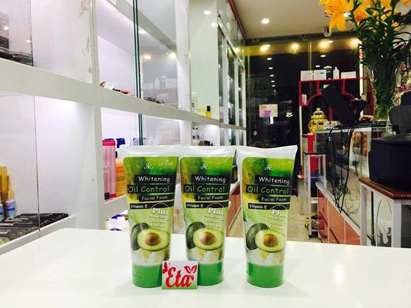 Bán sỉ sữa rửa mặt bơ Aron Whitening Oil Control Thái Lan