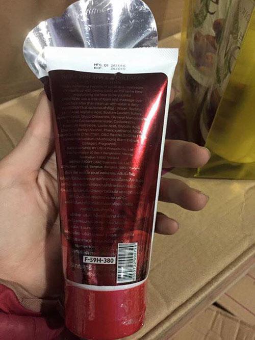 Sữa rửa mặt Red Apple & Collagen Thái Lan