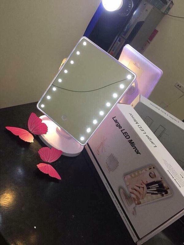 Bán sỉ gương trang điểm để bàn có đèn led