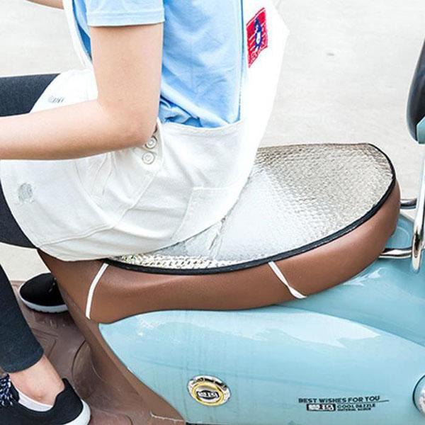 Bán buôn tấm lót chống nóng yên xe máy