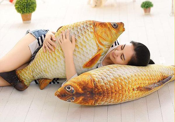 Gối ôm hình cá chép 3d độc đáo