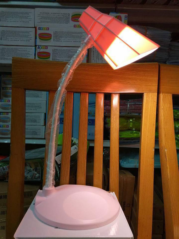 Đèn led chống cận thị CDM-8813 cho bé