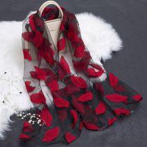 Khăn lụa hoa trùm đầu Ấn Độ