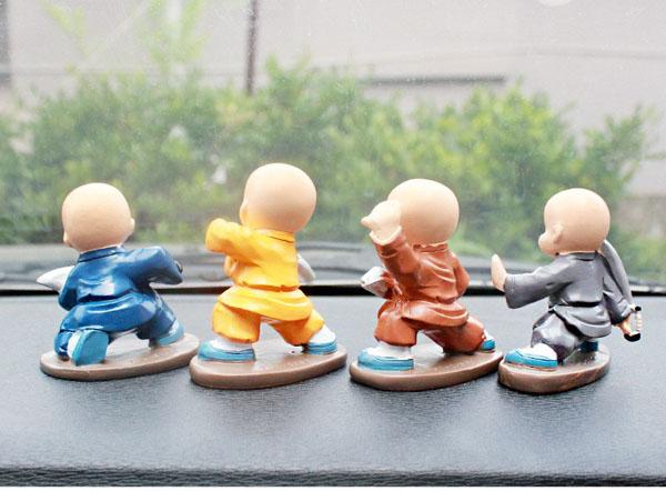 Bộ 4 tượng chú tiểu múa đao