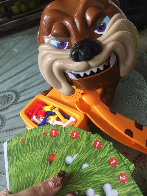 Bán buôn bộ đồ chơi chú chó giữ xương cho bé