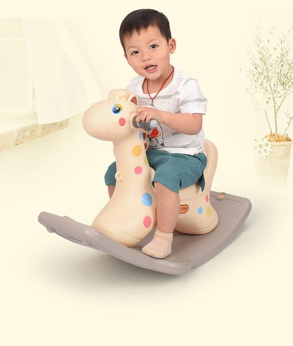 Ngựa bập bênh cho bé có đèn có nhạc