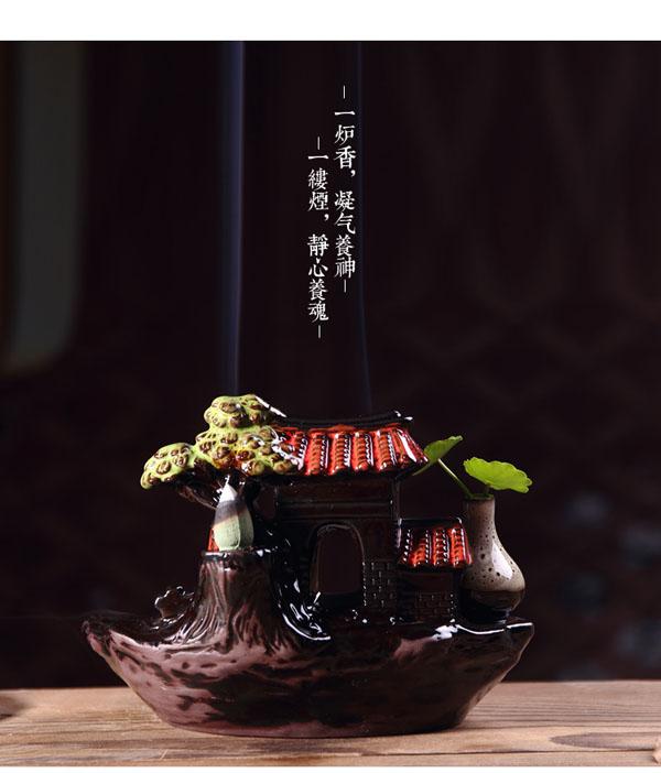Thác khói trầm hương chú tiểu tọa thiền trên chùa