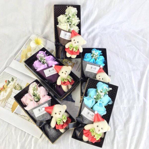 Bó hoa hồng sáp 5 bông kèm gấu hộp đẹp
