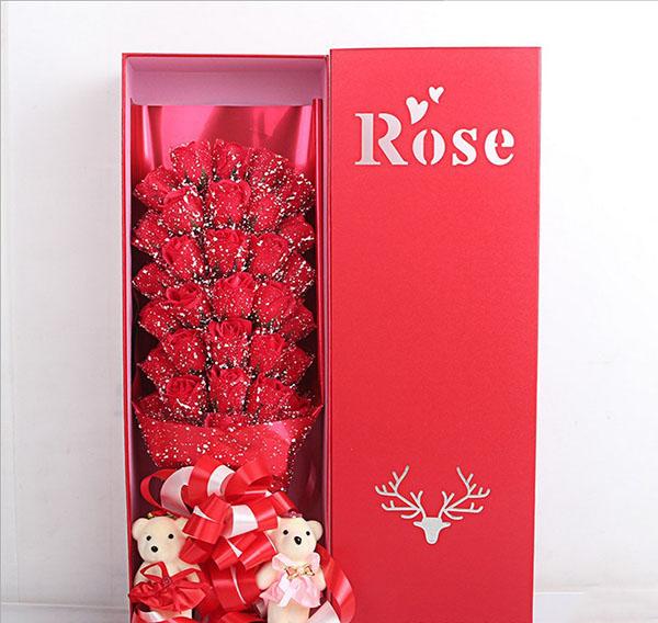 Bán buôn hoa hồng sáp 33 bông phủ tuyết đẹp