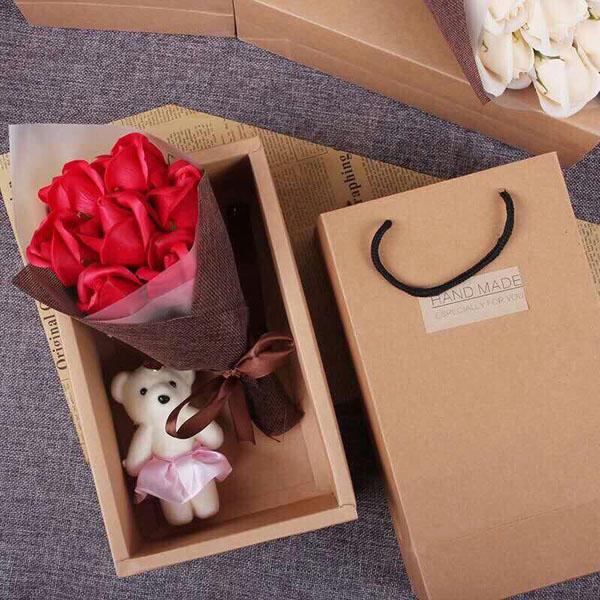 Bán buôn hoa hồng sáp 7 bông kèm gấu hộp handmade đẹp