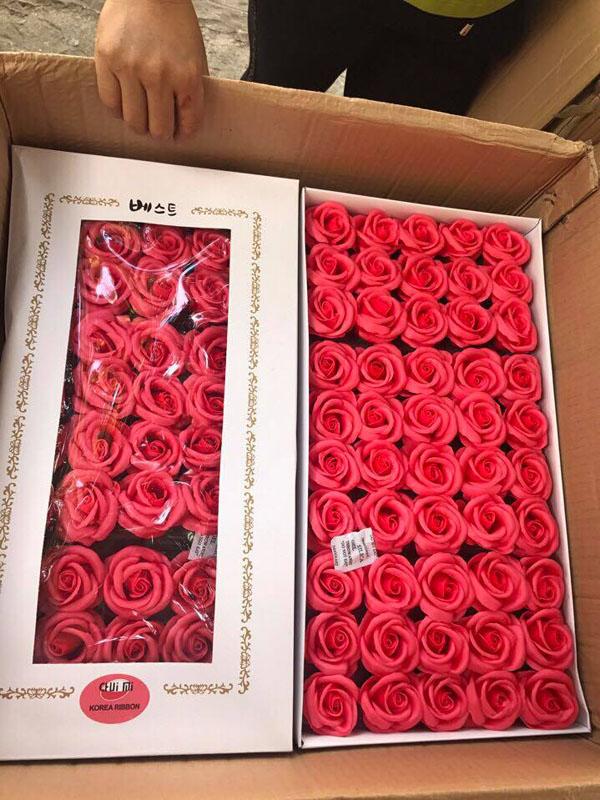 Bán sỉ hoa hồng sáp hộp 50 bông sang trọng