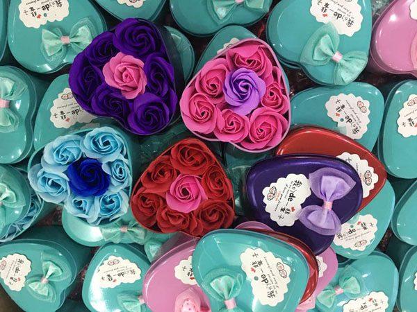 Hoa hồng sáp thơm hộp trái tim 7 bông