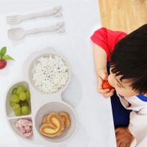 Khay cơm lúa mạch cho bé