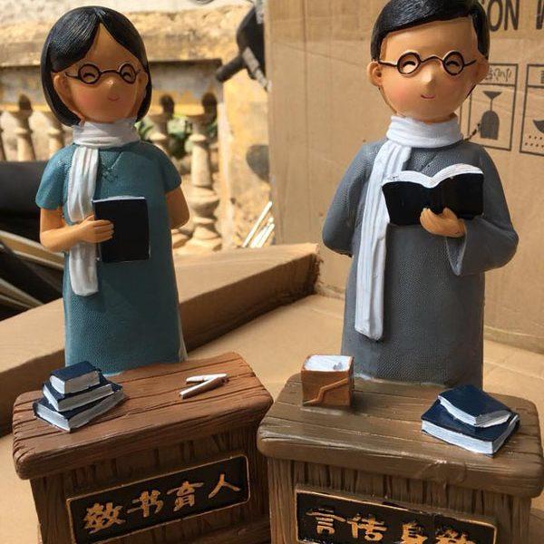 Tượng thầy cô chào mừng ngày nhà giáo Việt Nam