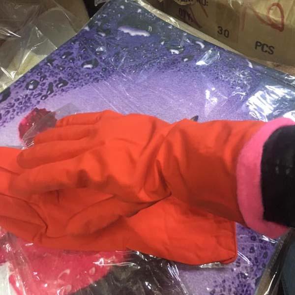 Găng tay cao su lót nỉ mới