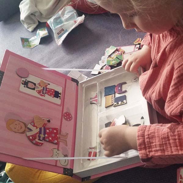 Sách ghép hình nam châm Magnetic book cho bé