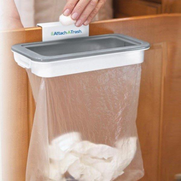 Giá treo túi rác thông minh Attach A Trash