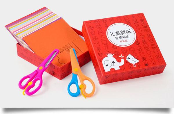 Bán buôn bộ đồ chơi cắt giấy tạo hình 240 tờ kèm 2 kéo